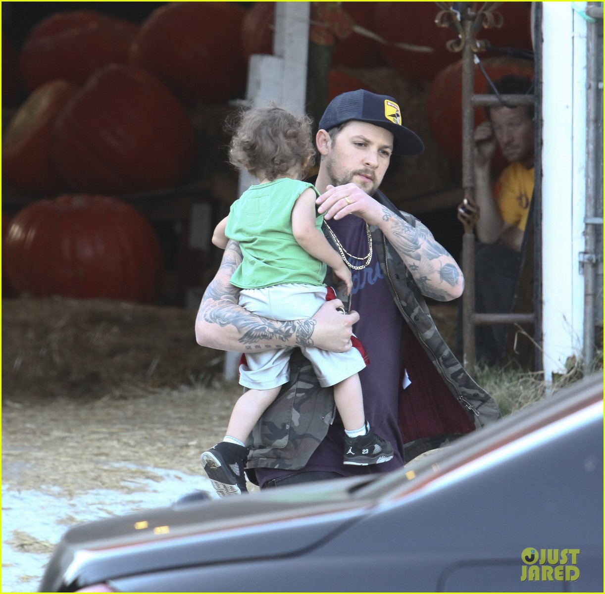 nicole richie joel madden pumpkin patch with the kids 08
