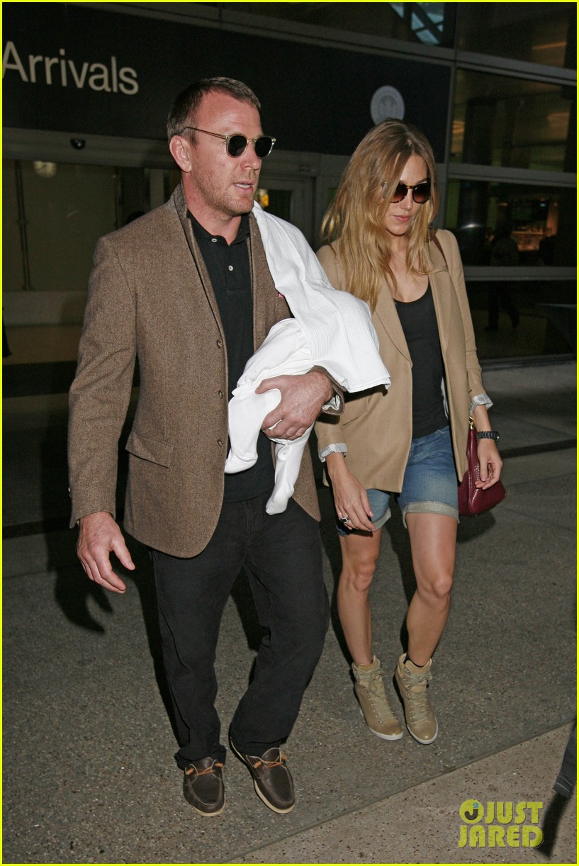 guy ritchie carries son 042586779