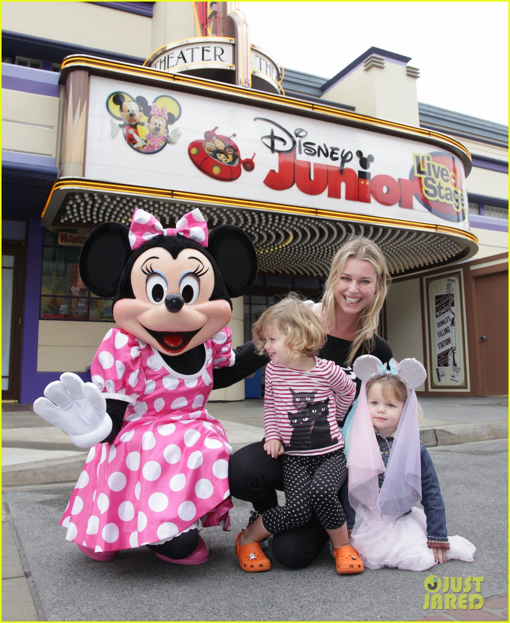 rebecca romijn charlie dolly minnie mouse 03