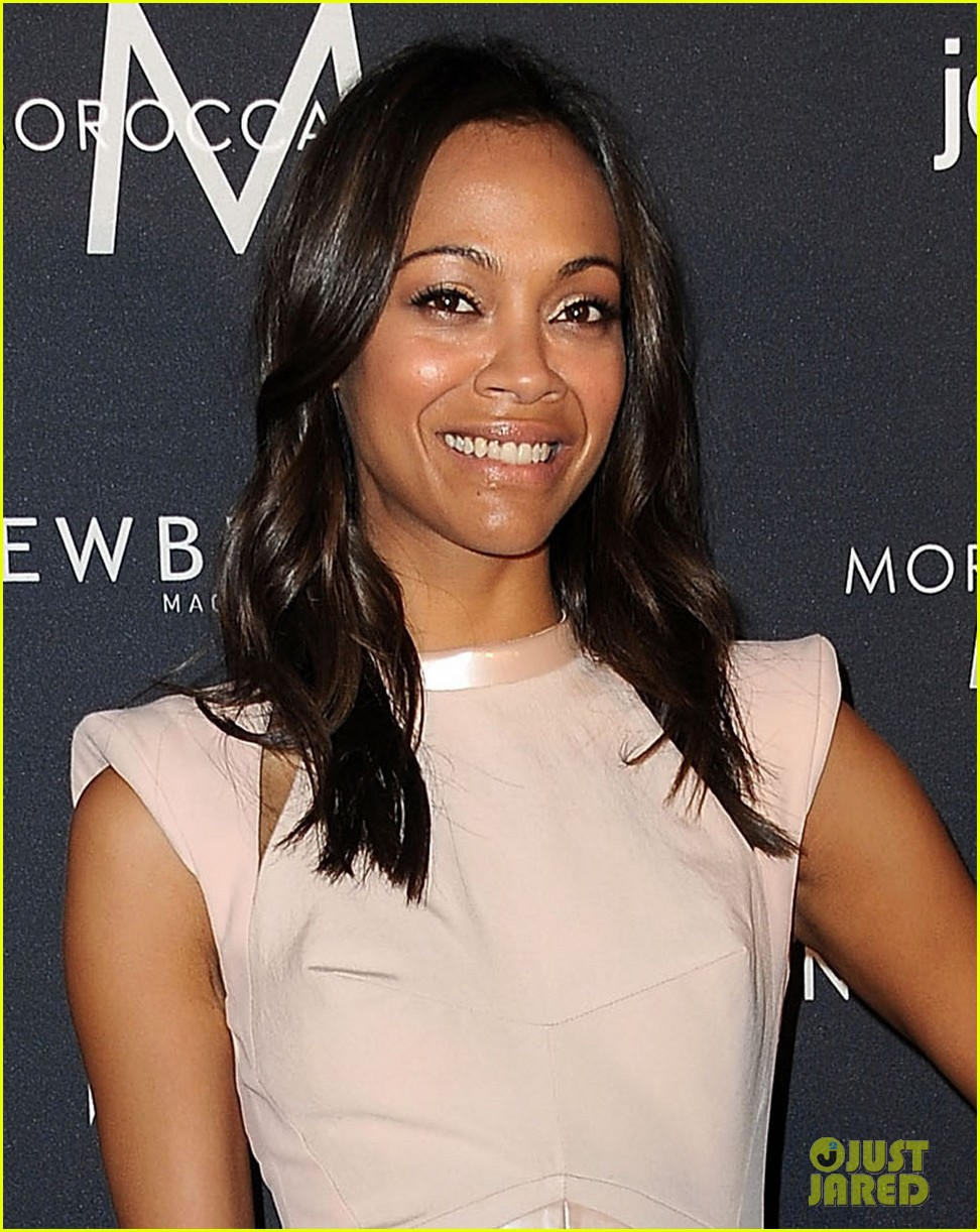 zoe saldana fresh faces in fashion event host 02