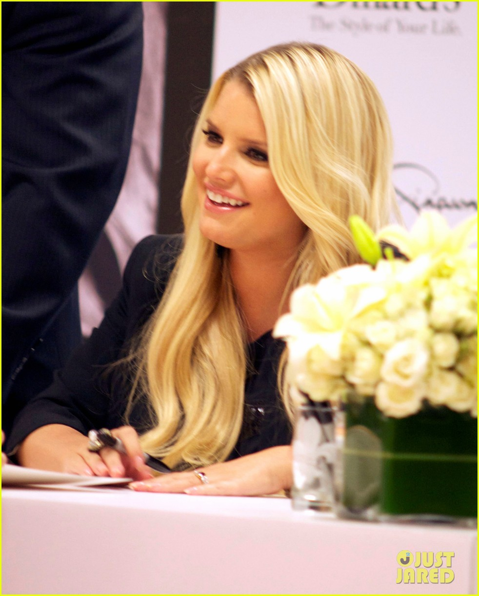 jessica simpson dillards new orleans 07