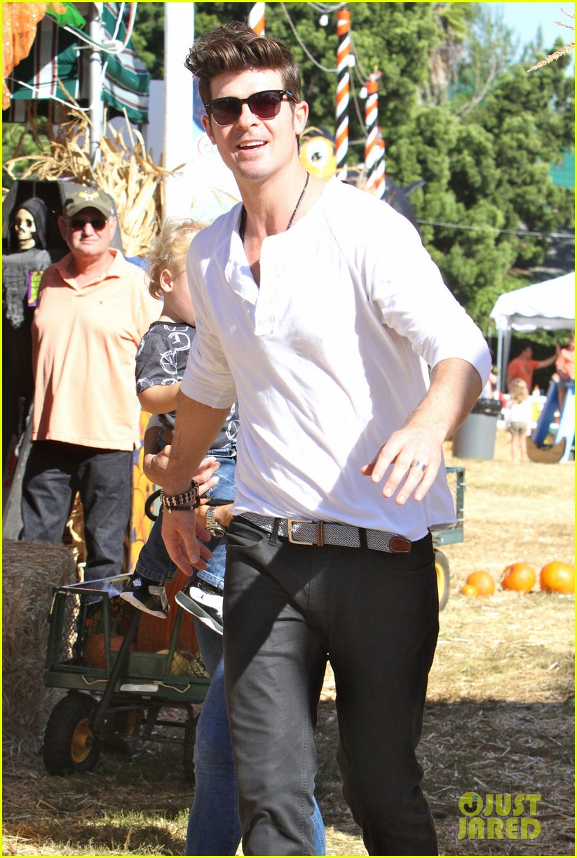 robin thicke paula patton pumpkin patch with julian 172588463