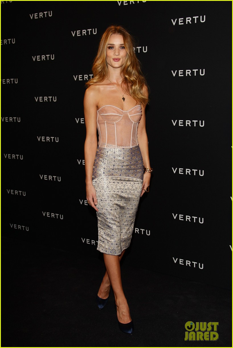 rosie huntington whiteley paris 01