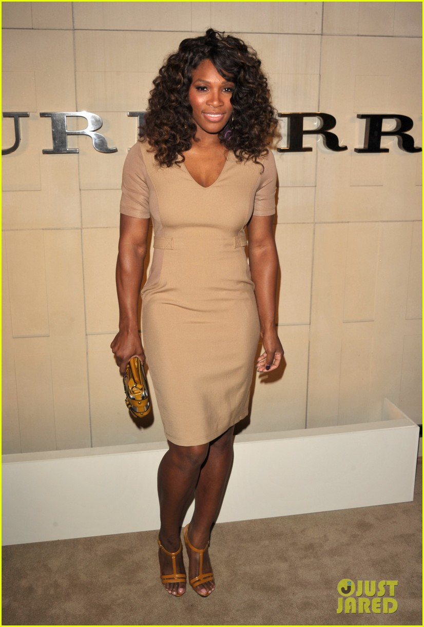 serena williams ashley madekwe burberry body bash 032594125
