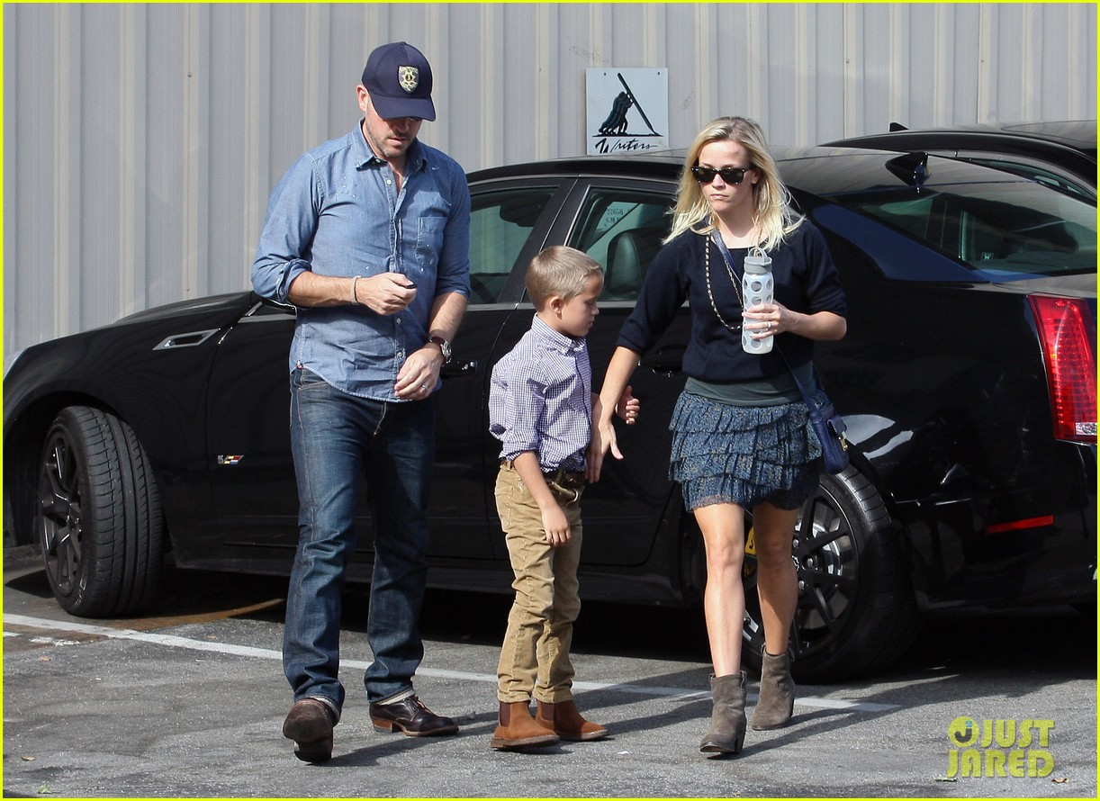 reese witherspoon jim deacon church 01