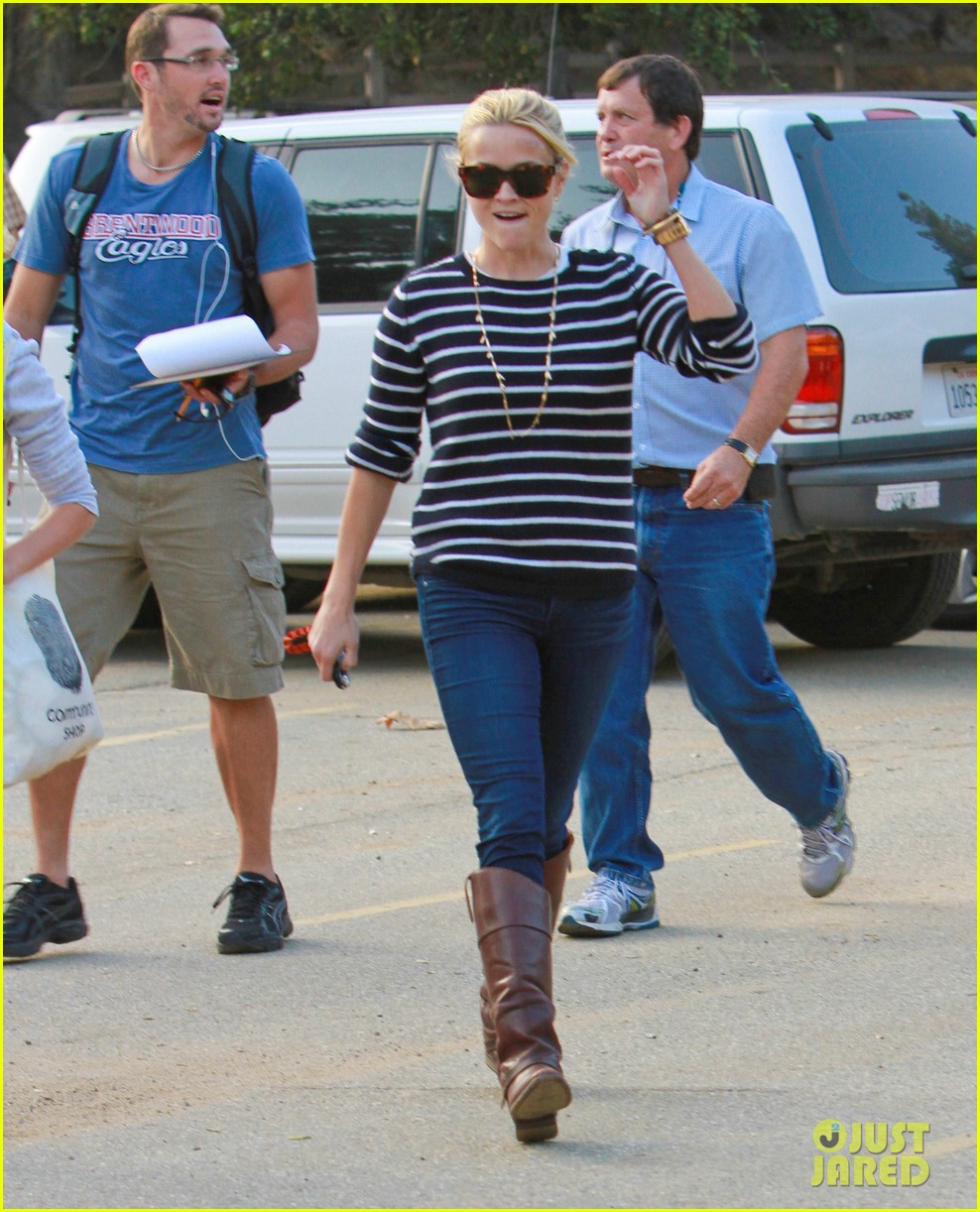 reese witherspoon ava griffith park 05