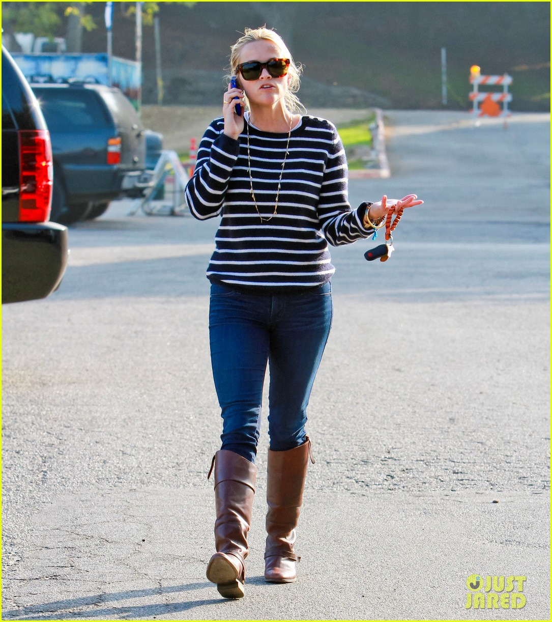 reese witherspoon ava griffith park 09