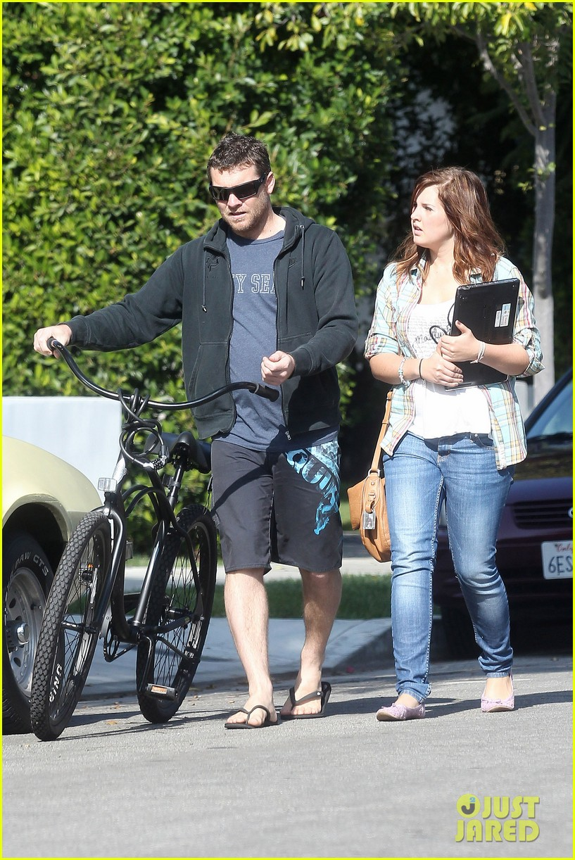 sam worthington bike board shorts 08