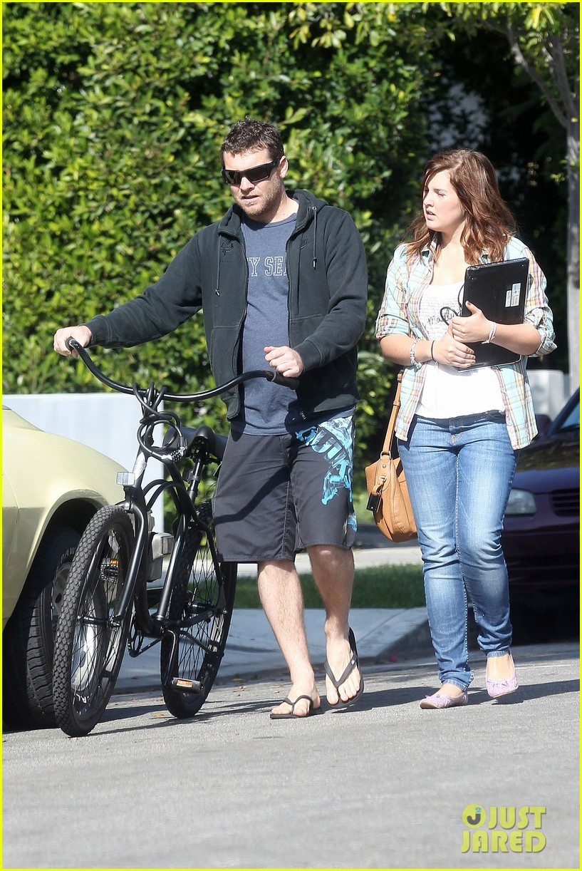 sam worthington bike board shorts 102593841