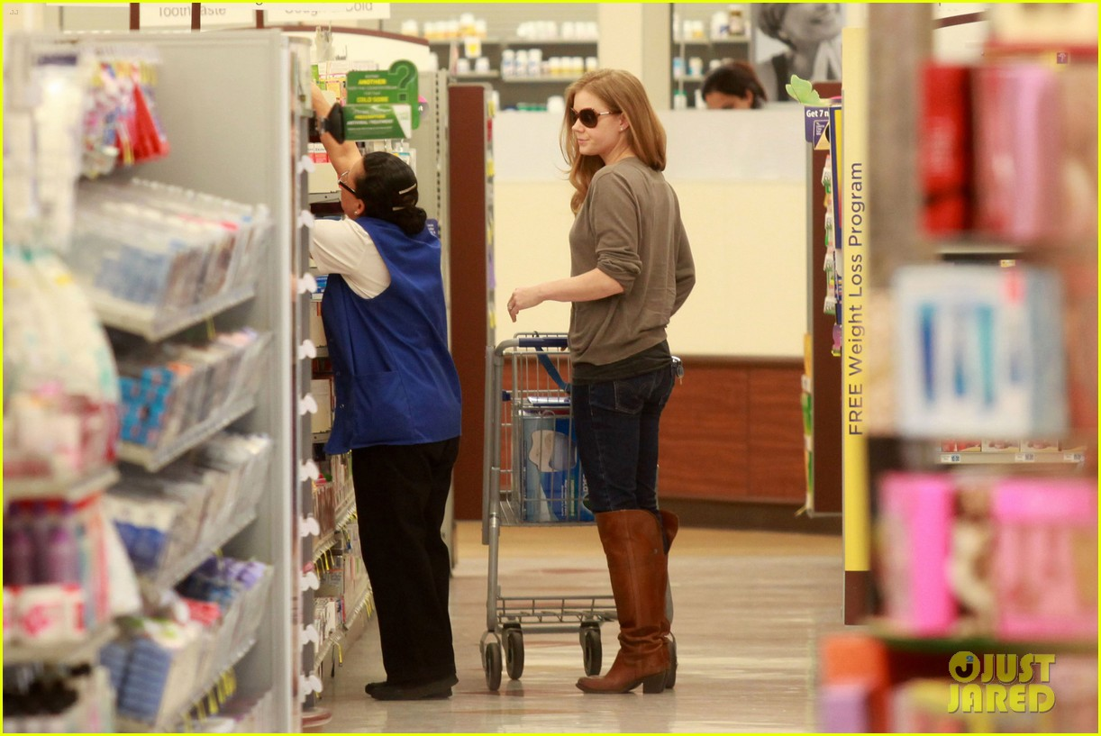 amy adams lunch errands with family 13