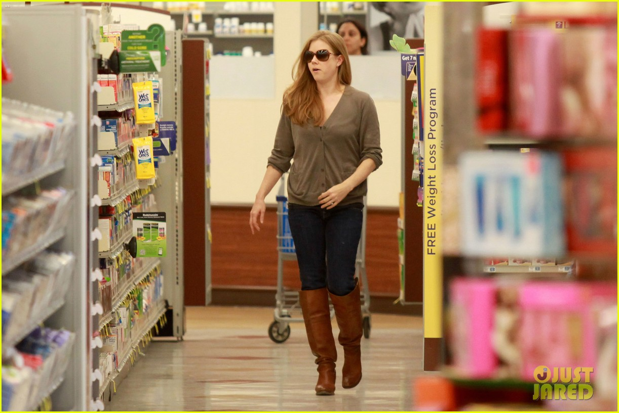 amy adams lunch errands with family 16