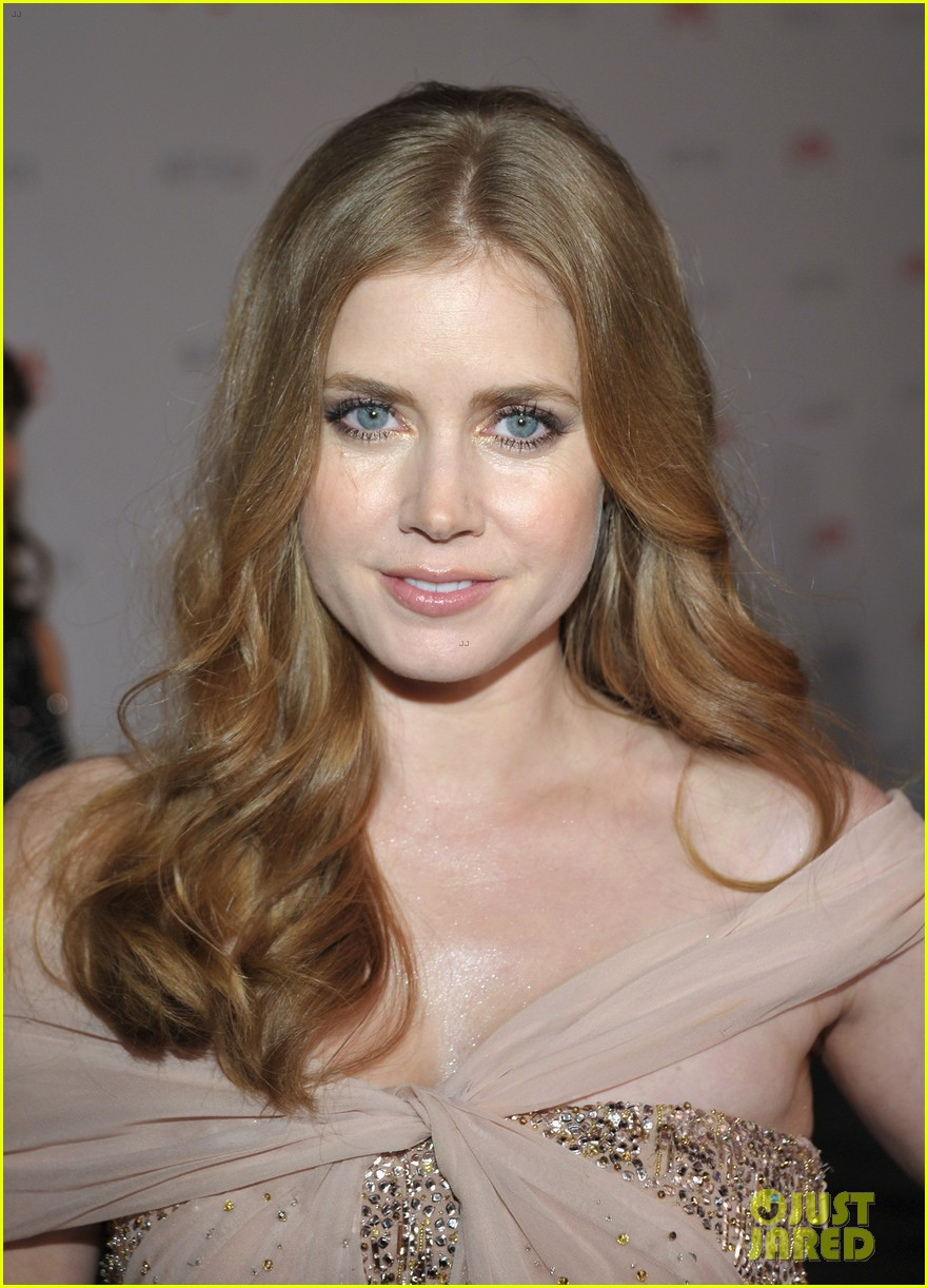 amy adams lacma gala with rashida jones 06