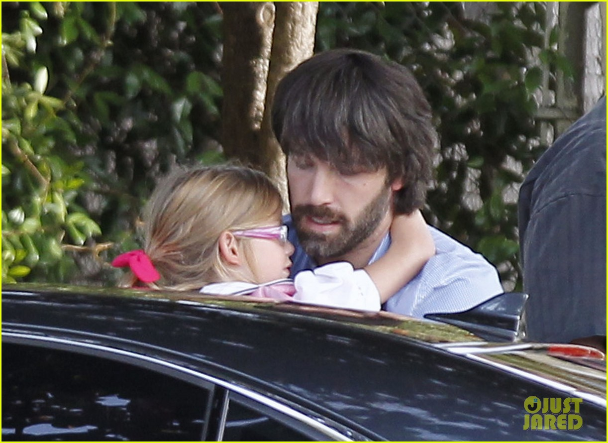 ben affleck violet hug after school 092604752