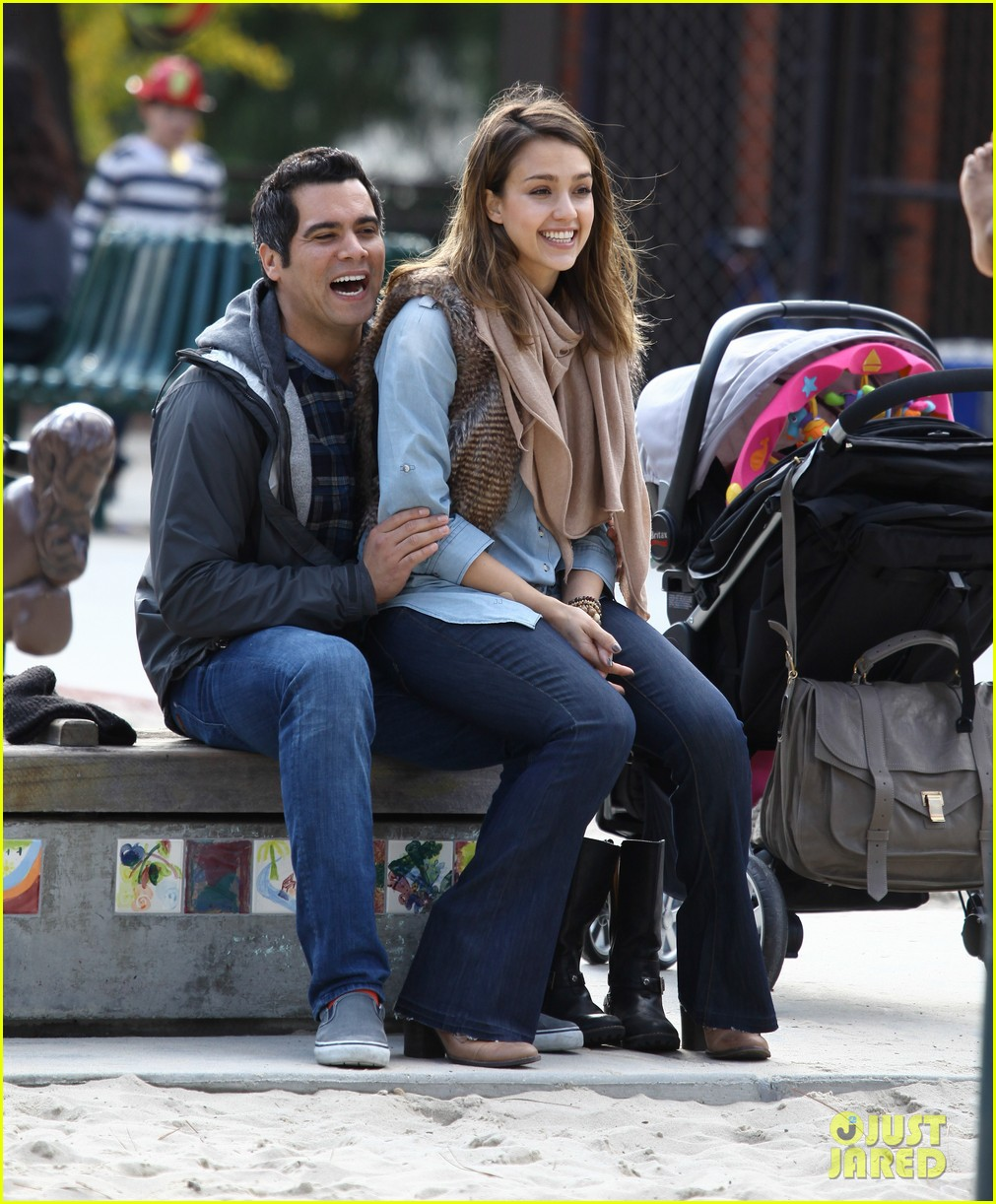jessica alba park day family 192602178