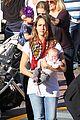 jessica alba family disneyland 04