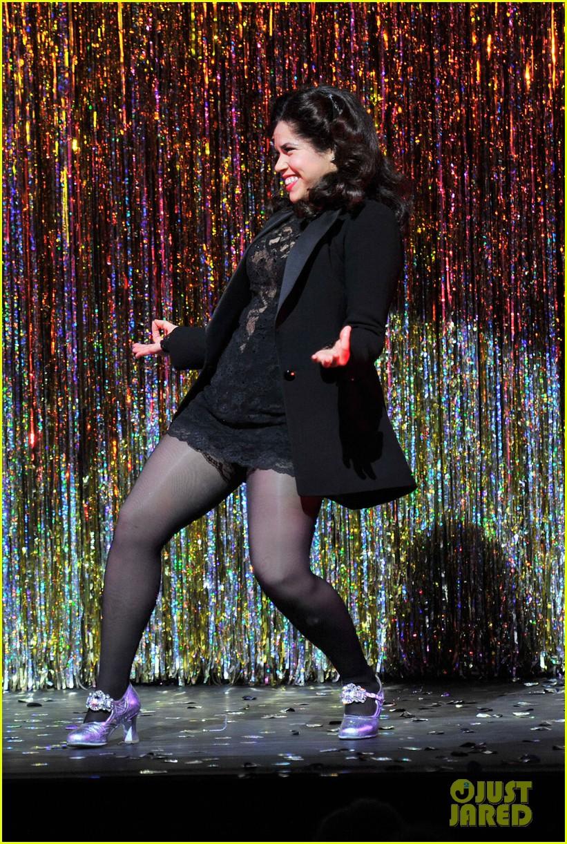 america ferrera on stage chicago 04