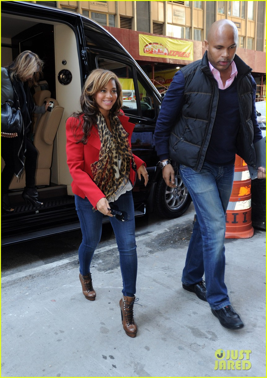 beyonce office building nyc red blazer 01