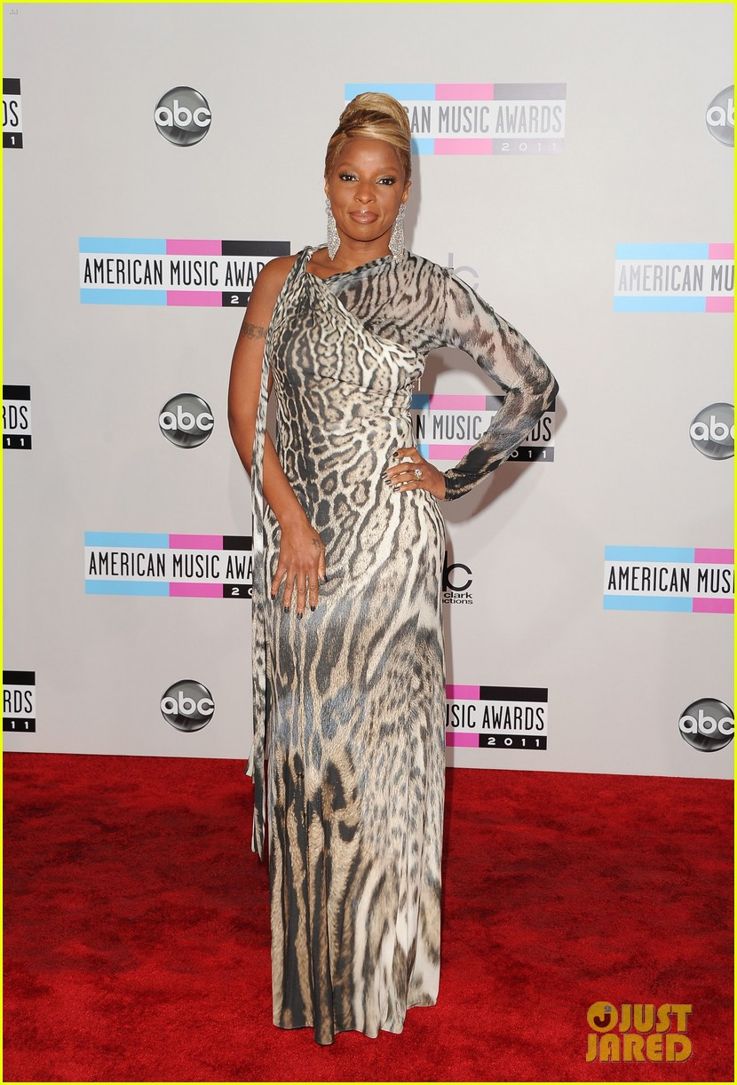 mary j blige amas 2011 red carpet 05