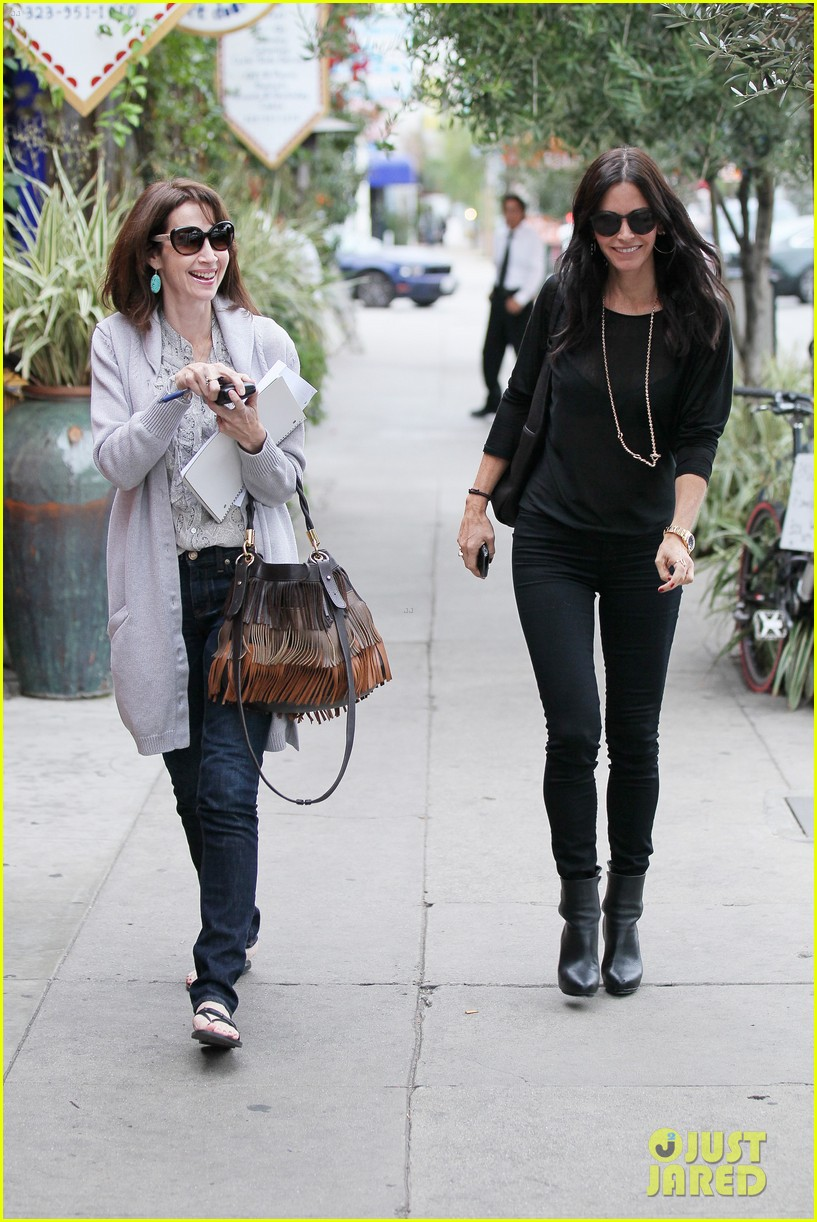 courteney cox lunch shopping friend 14