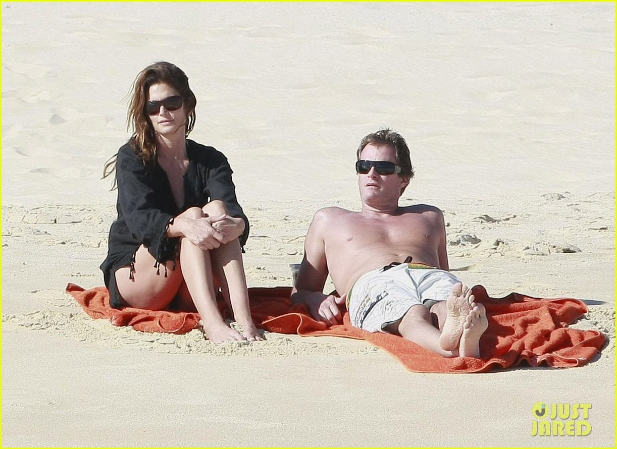 cindy crawford family time in mexico beach 04