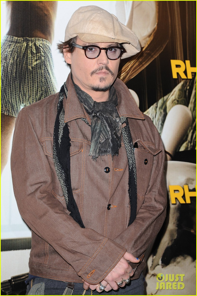 johnny depp amber heard rum diary paris photo call 05