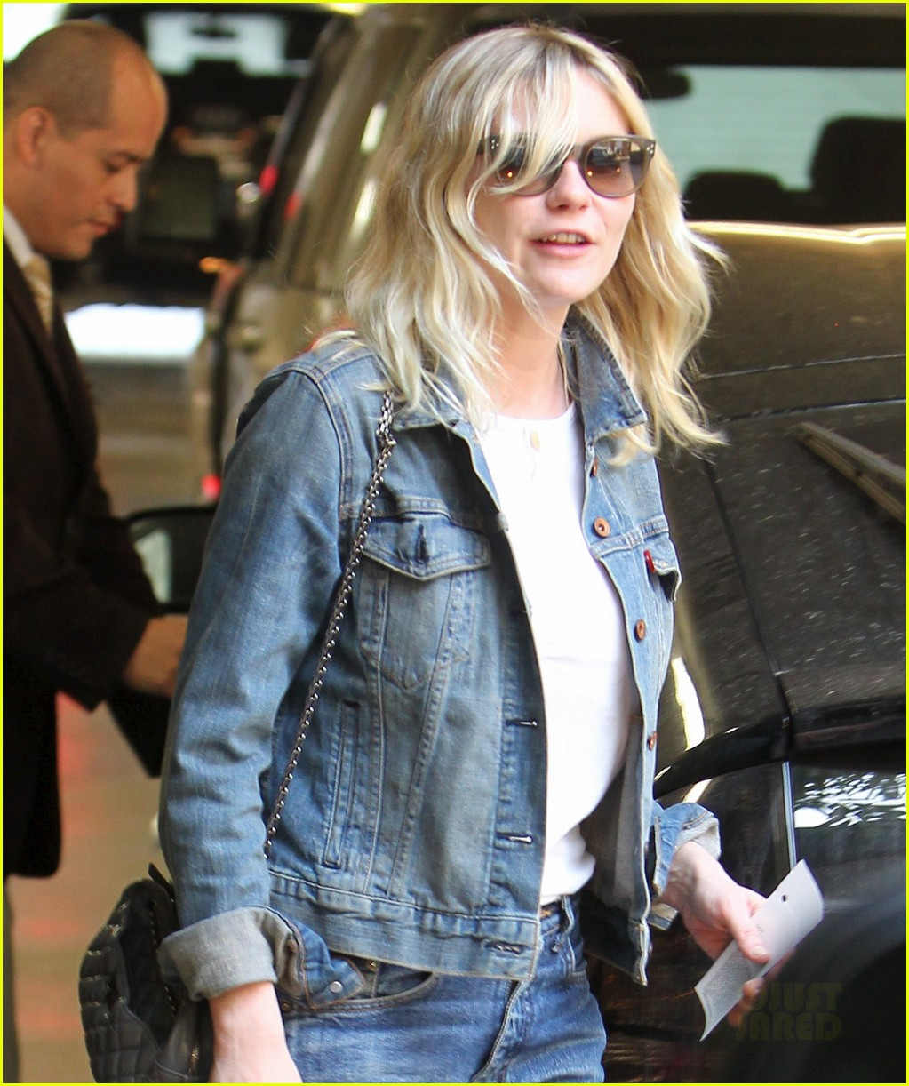 kirsten dunst mom lunch 022596118