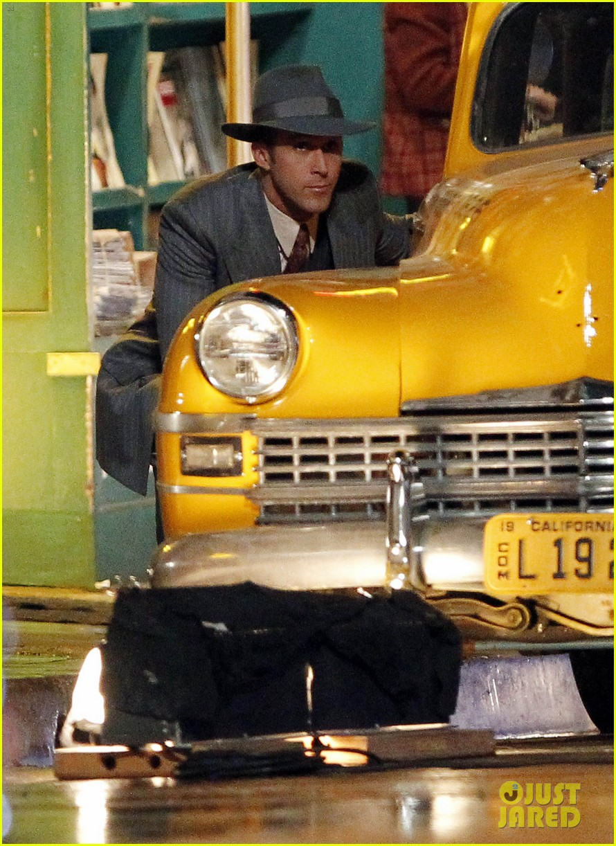 ryan gosling late night on gangster squad set 01