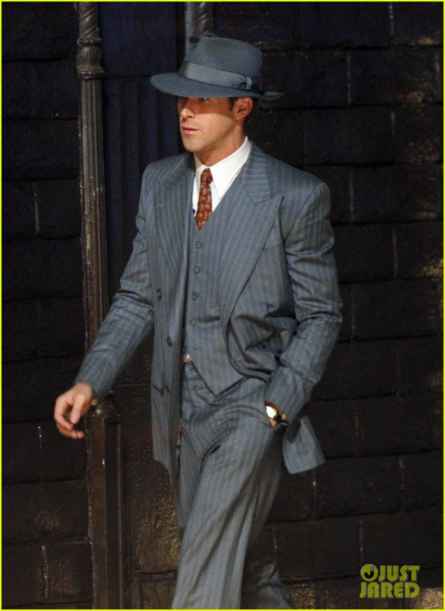 ryan gosling late night on gangster squad set 182605142