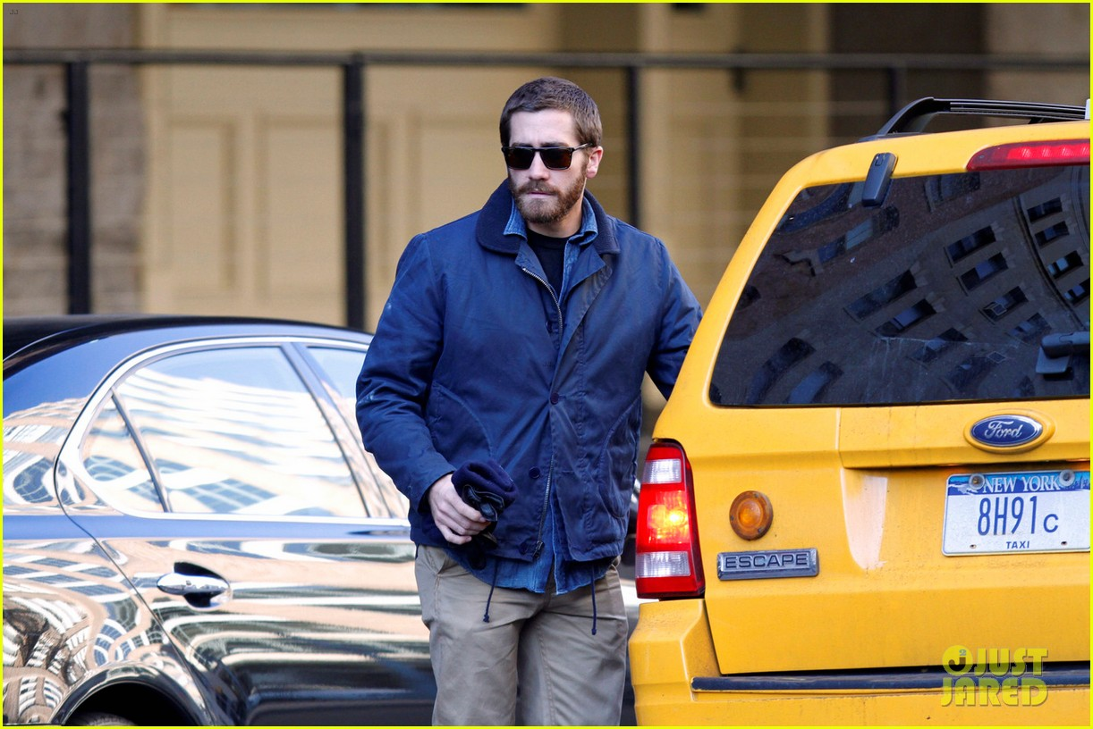 jake gyllenhaal spends the day with niece ramona 07