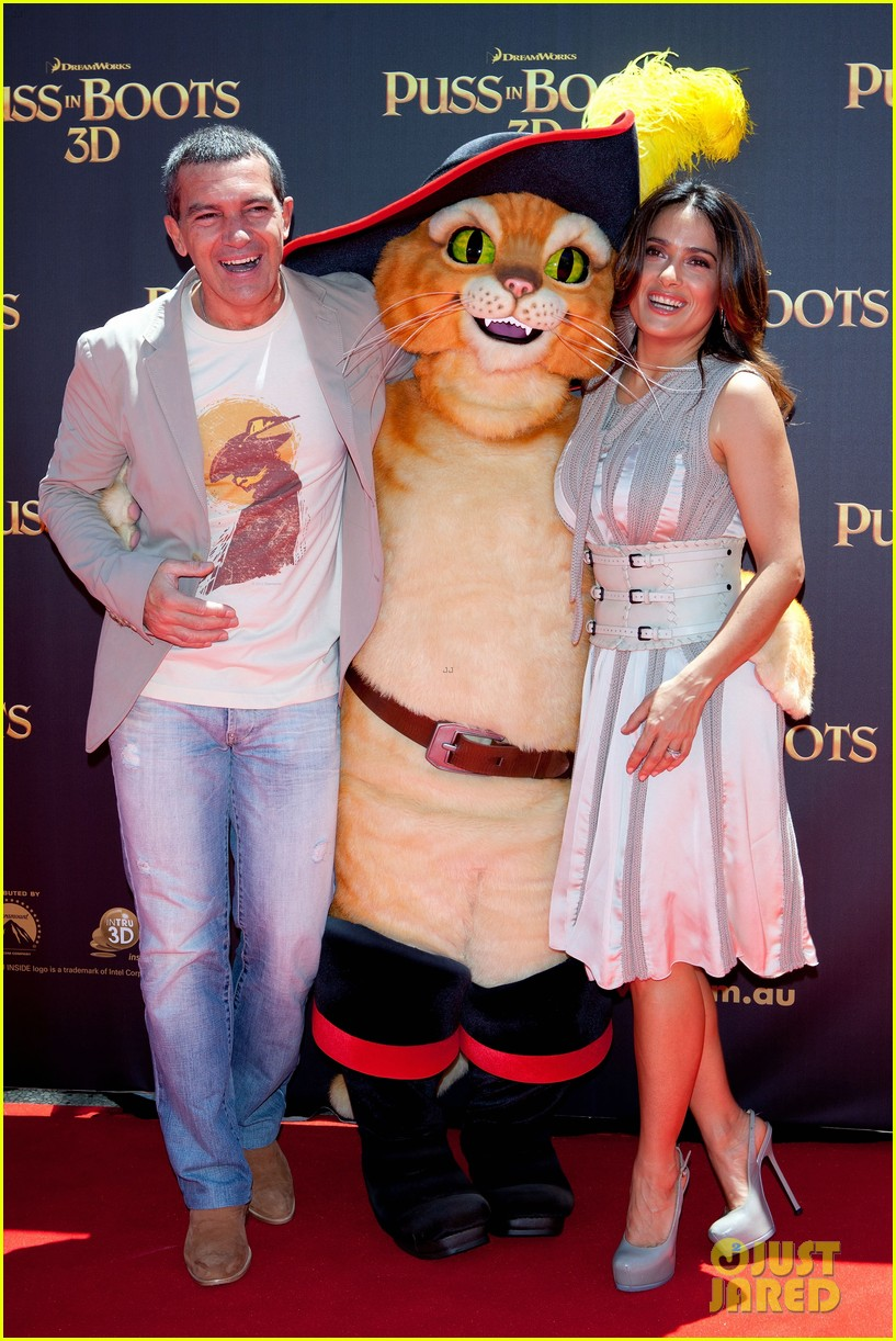 salma hayek brings puss in boots to australia 052604277