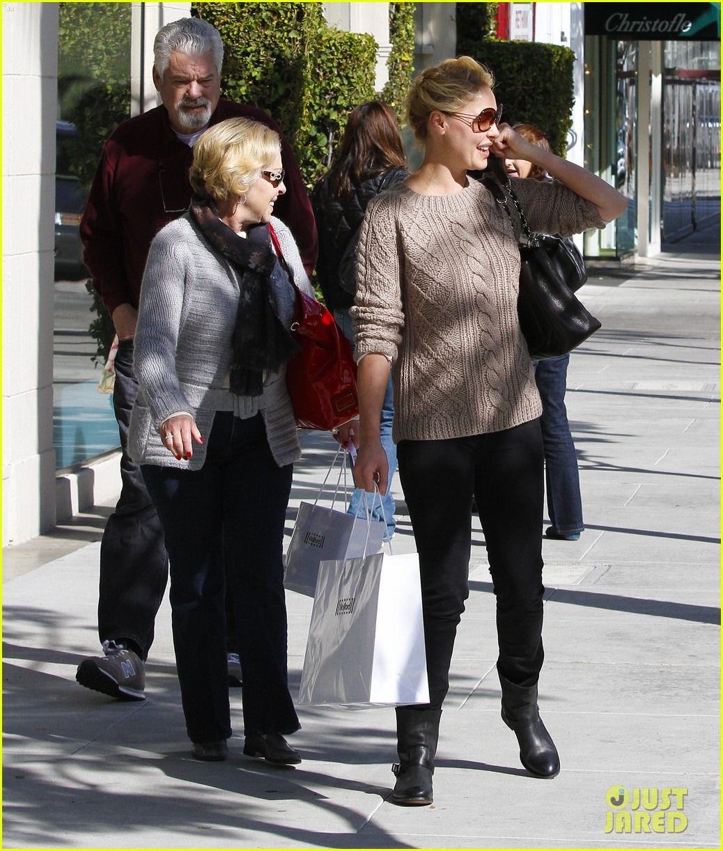 katherine heigl shopping mom dad 02