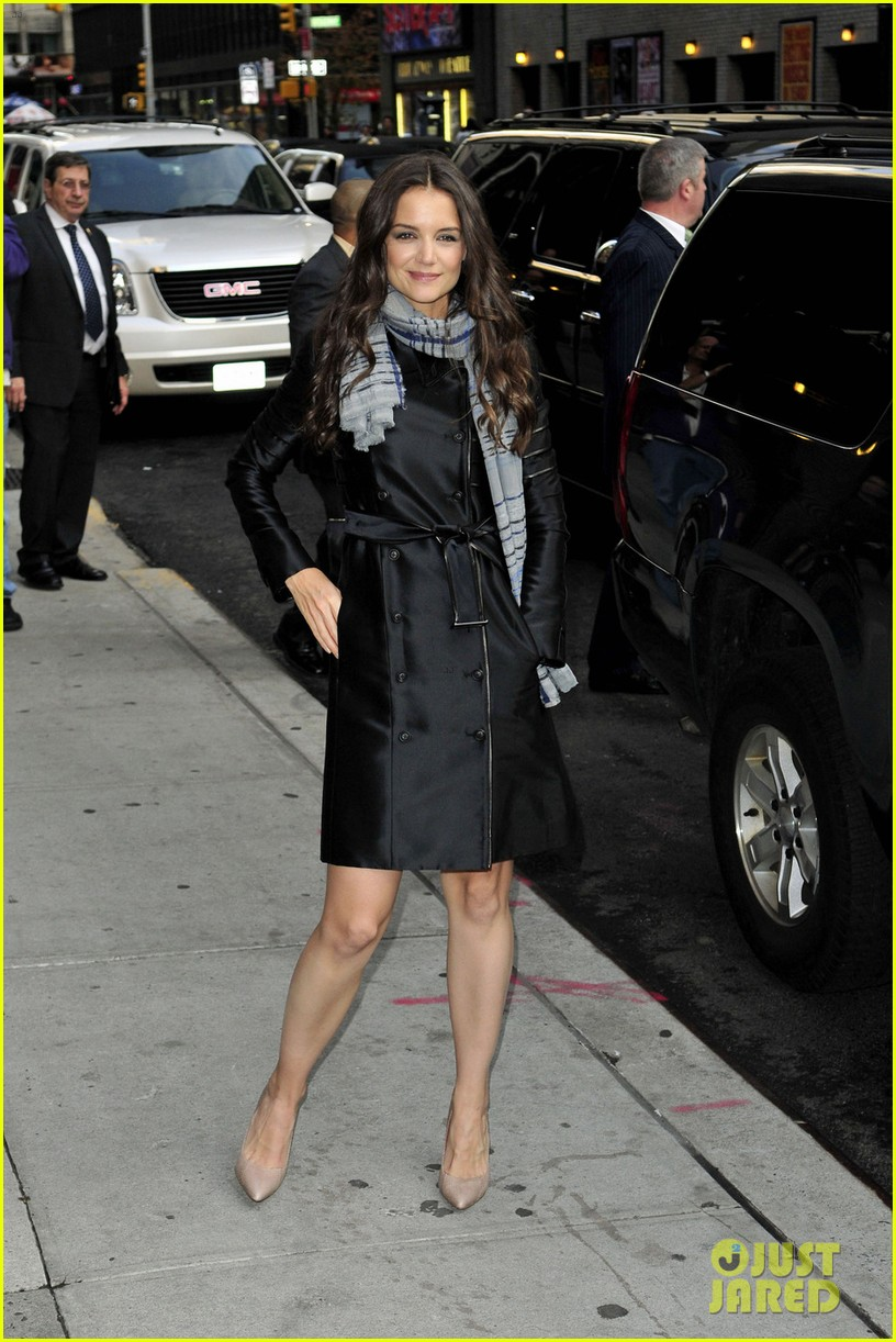 katie holmes late show with letterman visit 09