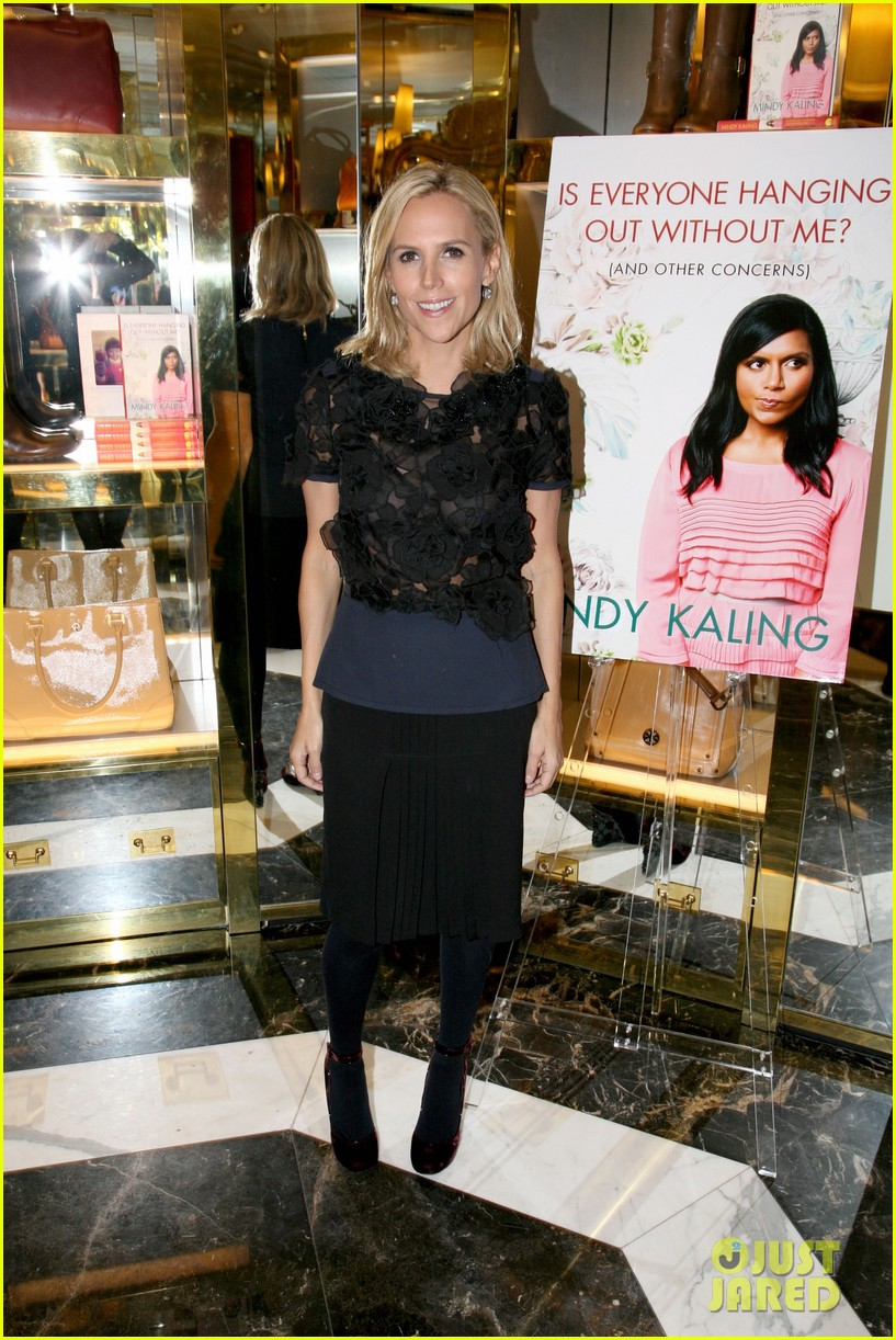 mindy kaling tory burch book launch 01