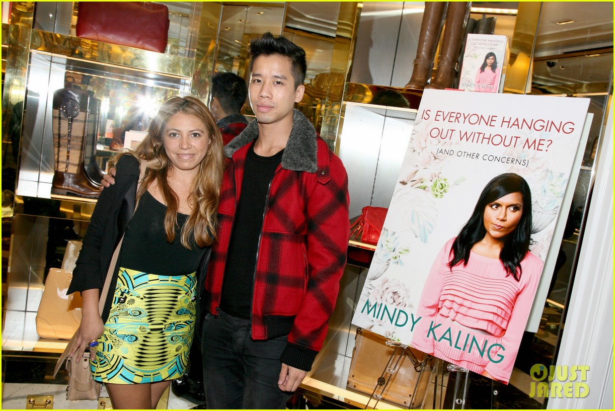 mindy kaling tory burch book launch 03