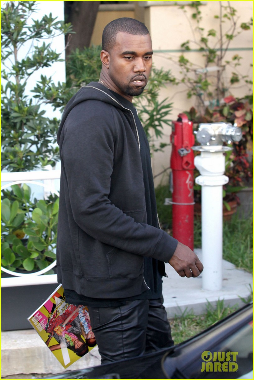 kanye west miami shopping 032600622