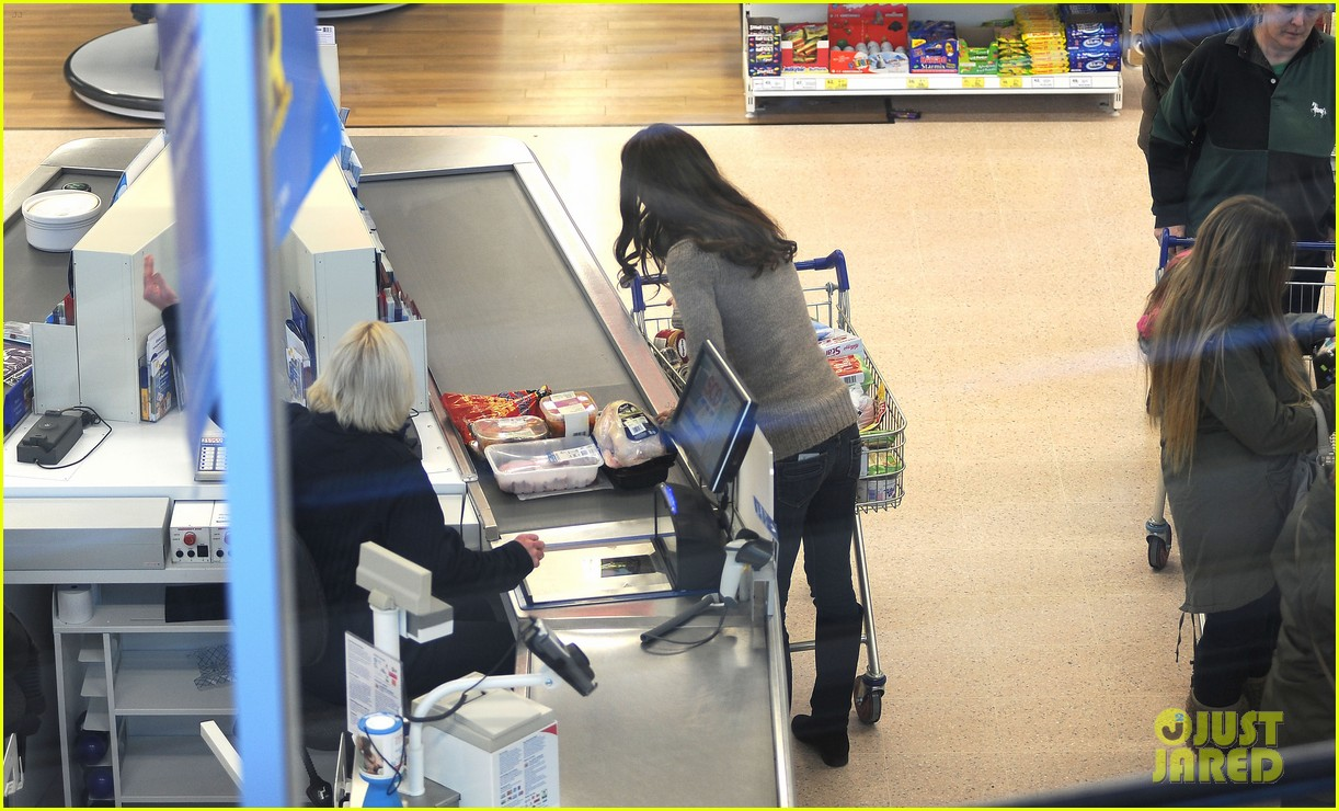 duchess kate groceries tesco 02