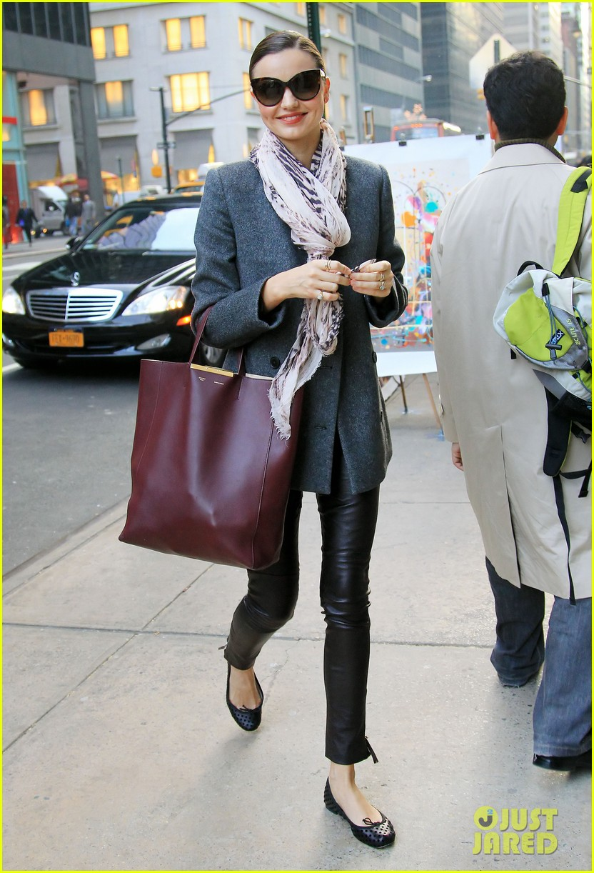 miranda kerr shopping friend nyc 01