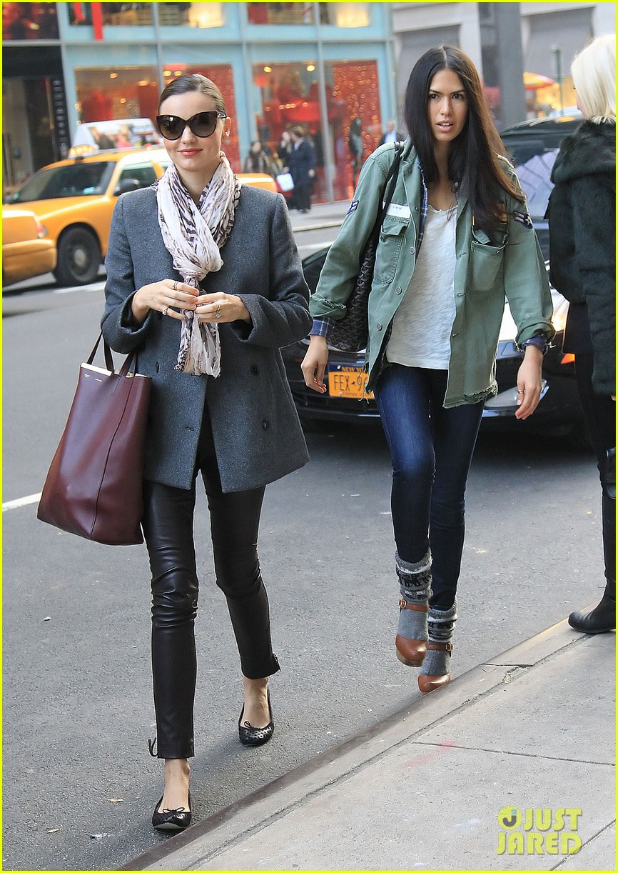 miranda kerr shopping friend nyc 03