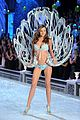 miranda kerr vs fashion show 2011 03