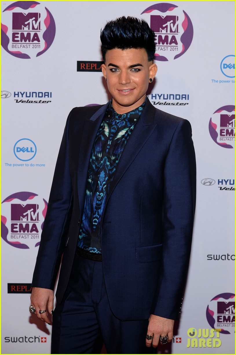 adam lambert mtv emas 2011 04