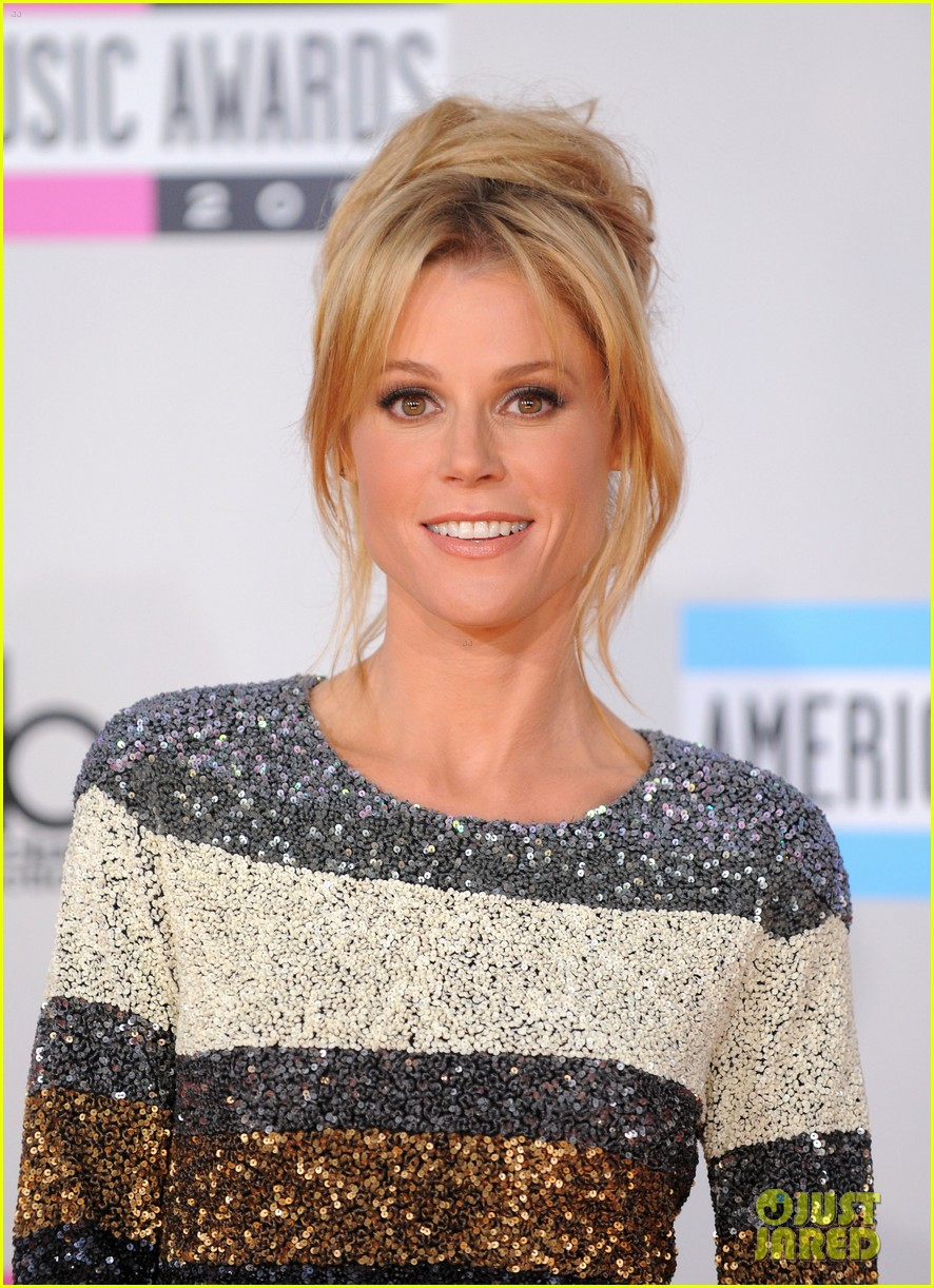 jenny mccarthy julie bowen cheryl hines amas 2011 14