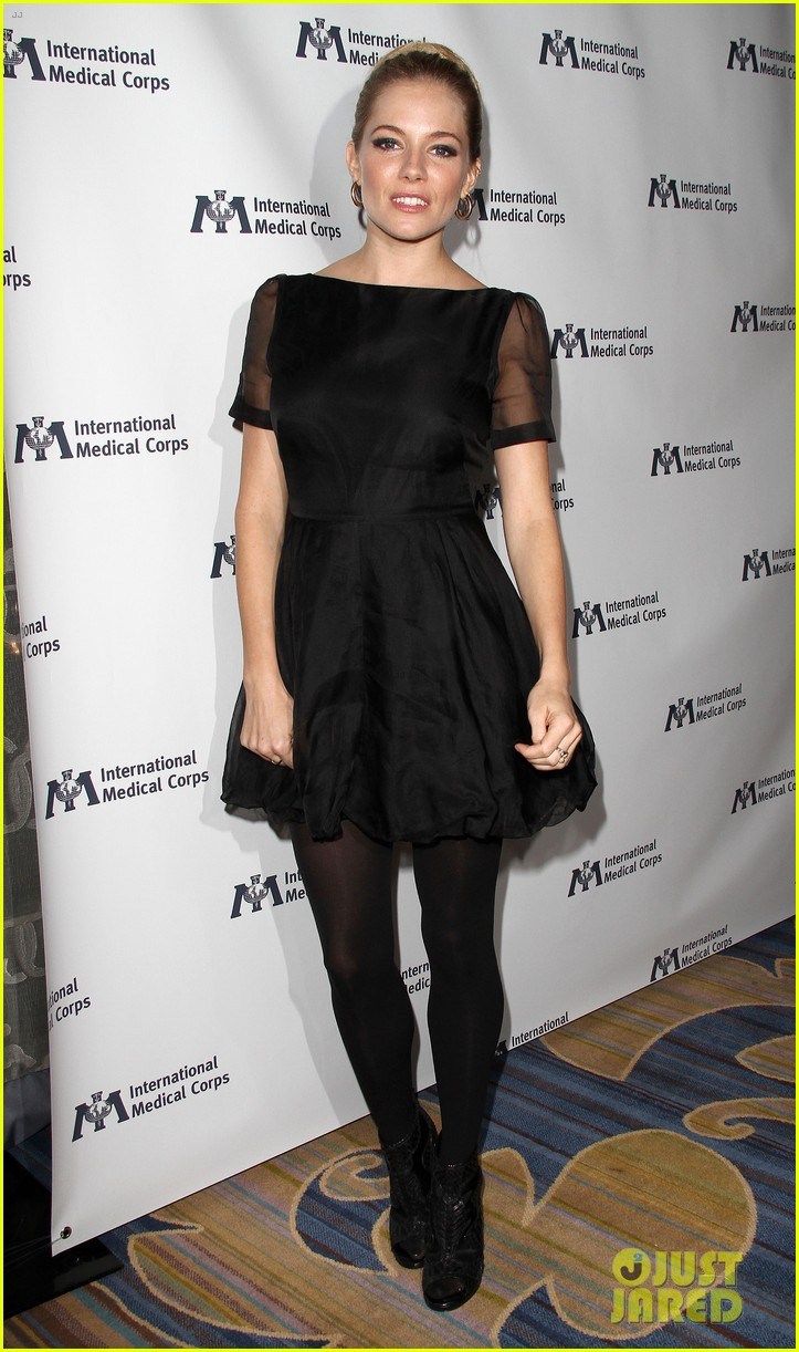 sienna miller medical corps awards celebration 15