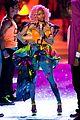 nicki minaj kanye west jay z vs fashion show 01