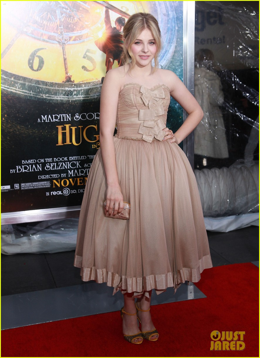 full sized photo of chloe moretz hugo premiere 01 photo