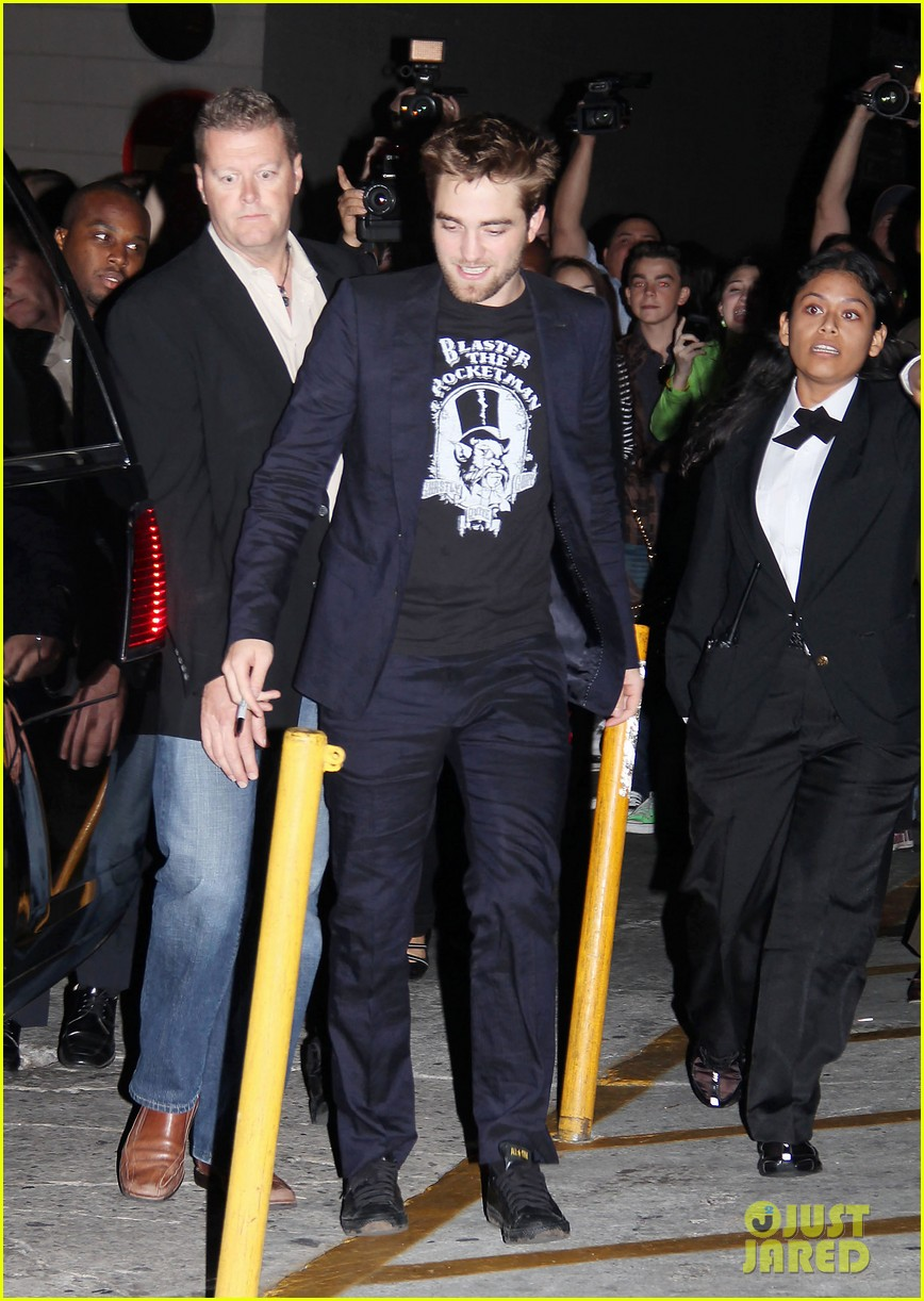 robert pattinson jimmy kimmel live visit 042596304