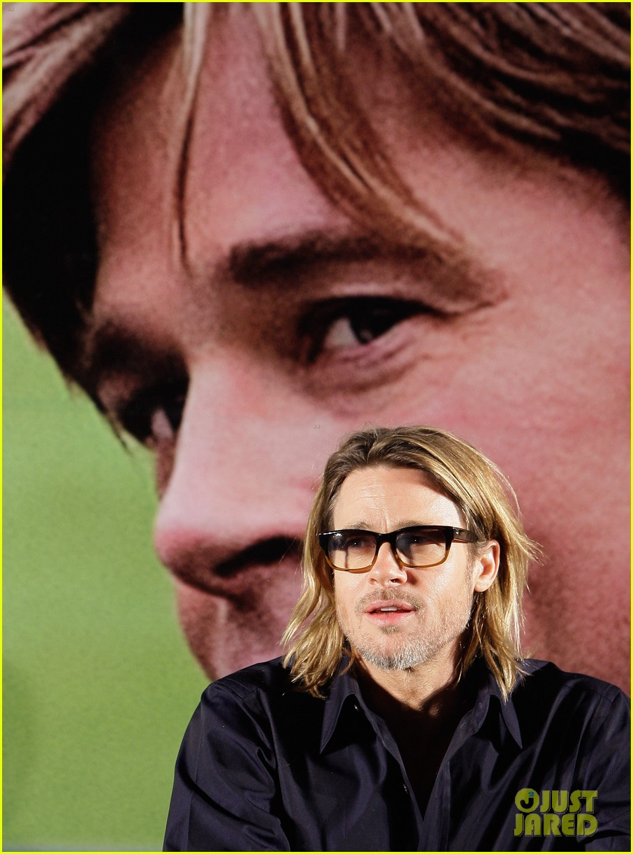 brad pitt moneyball press korea 082600461