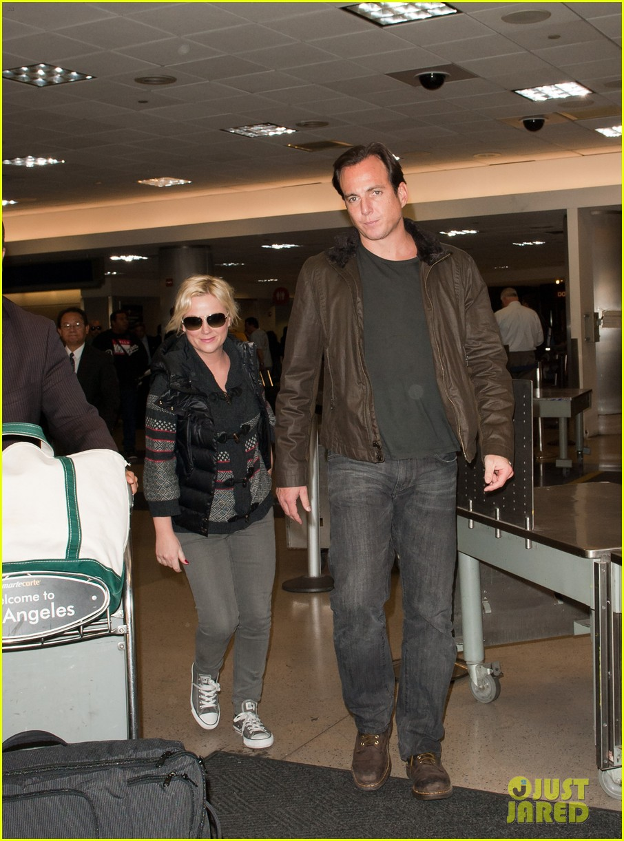 amy poehler will arnett airport 02