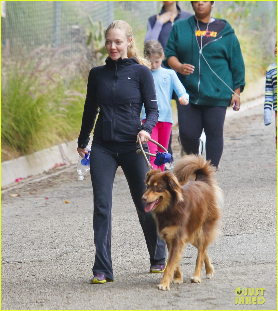 amanda seyfried hike finn 14