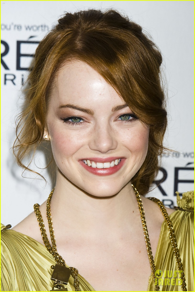 emma stone glamous awards 02
