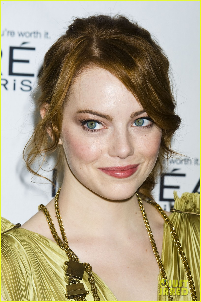 emma stone glamous awards 22